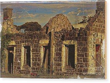 Wood Print featuring the digital art Abandoned Farmhouse by Blair Stuart