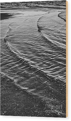 Abstract Waves - Black And White Wood Print by Hideaki Sakurai