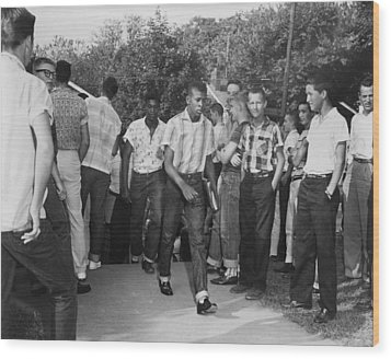African American Students Arrive Wood Print by Everett