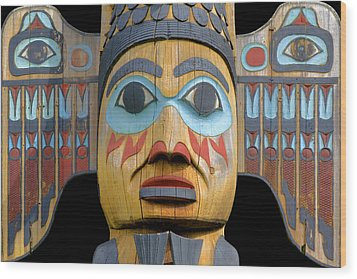 Alaska Totem Wood Print by Mark Greenberg