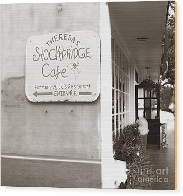 Alice's Restaurant Wood Print by Raymond Earley