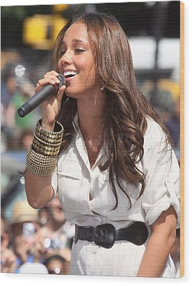 Alicia Keys On Stage For Cbs The Early Wood Print by Everett