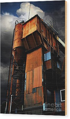 Alive And Well In America . The Old Concrete Plant In Berkeley California . 7d13967 Wood Print by Wingsdomain Art and Photography