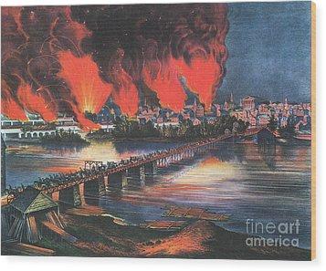 American Civil War Fall Of Richmond Wood Print by Photo Researchers