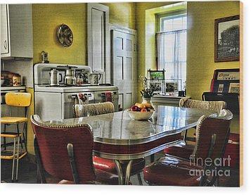 Americana - 1950 Kitchen - 1950s - Retro Kitchen Wood Print by Paul Ward