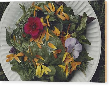 An Edible Salad At The Tilth Harvest Wood Print by Sam Abell