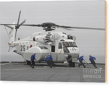 An Mh-53e Super Stallion Helicopter Wood Print by Stocktrek Images