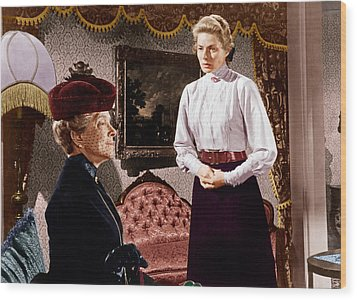 Anastasia, From Left Helen Hayes Wood Print by Everett