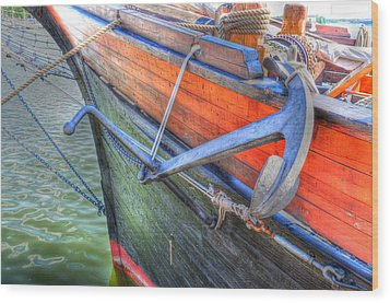Anchor Setting Wood Print by Barry R Jones Jr