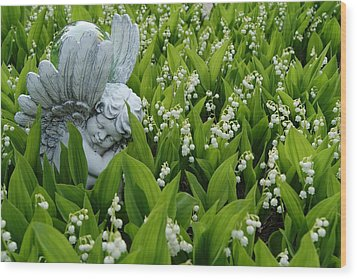Angel In The Lilies Wood Print