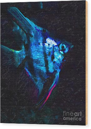 Angelfish Wood Print by Wingsdomain Art and Photography