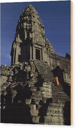 Angkor Wat Temple Complex With Ornate Wood Print by Paul Chesley