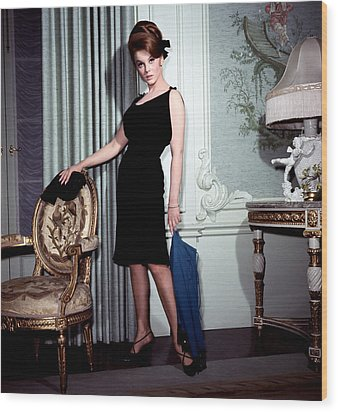 Ann-margret, In French Drawing Room Wood Print by Everett