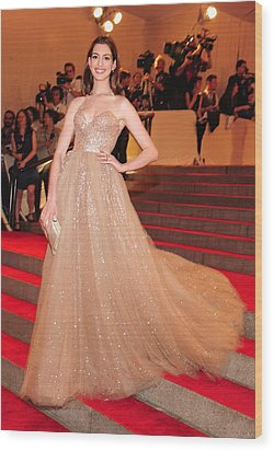 Anne Hathaway Wearing  A Valentino Gown Wood Print by Everett
