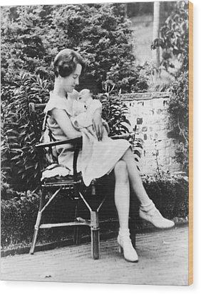 Anne Morrow Lindbergh In 1930, Holding Wood Print by Everett
