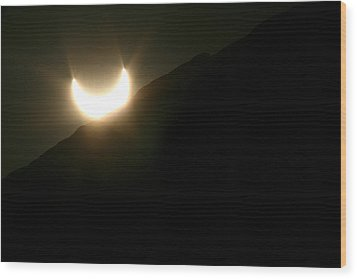 Wood Print featuring the photograph Annular Solar Eclipse At Sunset Number 2 by Lon Casler Bixby