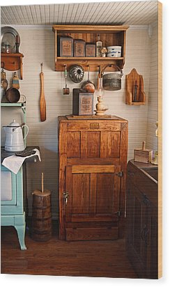 Antique Ice Box Wood Print by Carmen Del Valle