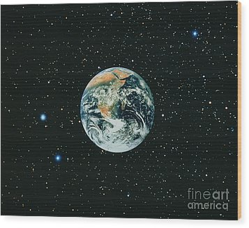 Apollo 17 View Of Earth With Starfield Wood Print by NASA / Science Source