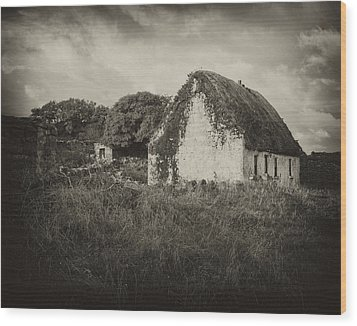 Wood Print featuring the photograph Aran Island Home by Hugh Smith