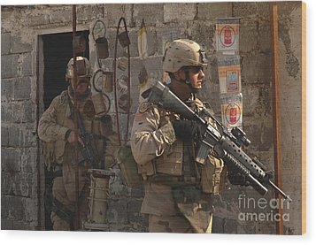 Army Soldiers Keeping An Eye Wood Print by Stocktrek Images