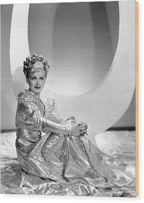 Artists And Models Abroad, Joan Bennett Wood Print by Everett