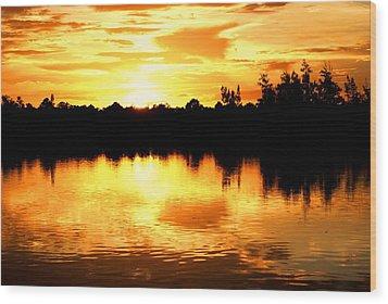 Astonishing Sunset Wood Print by Luis and Paula Lopez