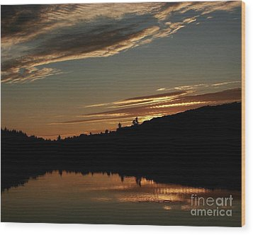 August Lake Sunset Wood Print by Donna Cavanaugh