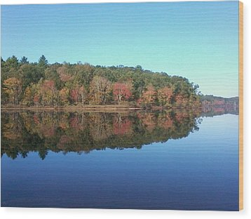 Wood Print featuring the photograph Autumn Mirror by Edwin Alverio