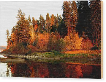 Autumn Sunset At Lake Coeur D'alene Wood Print by Cindy Wright