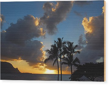 Bali Hai Sunset Wood Print by Lynn Bauer