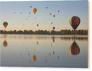 Balloon Festival Wood Print by Lightvision, LLC