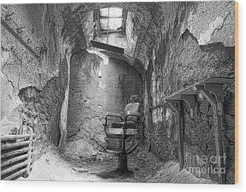 Barber - Chair - Eastern State Penitentiary - Black And White Wood Print by Paul Ward
