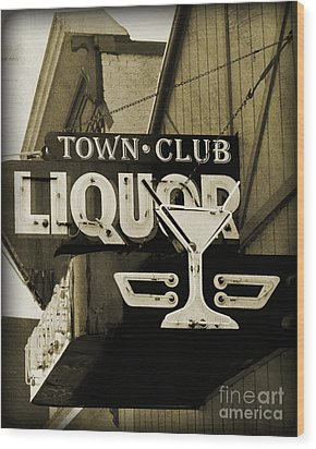 Wood Print featuring the photograph Barhopping At The Town Club 2 by Lee Craig