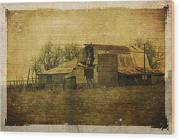 Barn 3 Wood Print by Toni Hopper