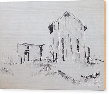 Barn And Shed Wood Print by Rod Ismay