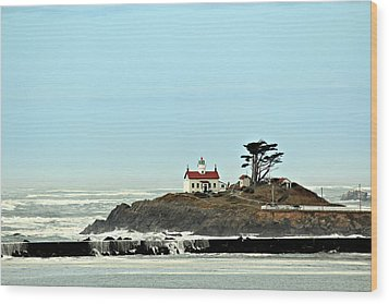 Wood Print featuring the photograph Battery Point Lighthouse II by Jo Sheehan