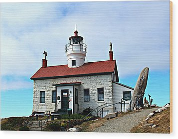 Wood Print featuring the photograph Battery Point Lighthouse by Jo Sheehan