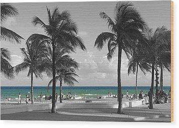 Wood Print featuring the photograph Beach Fun by Raymond Earley