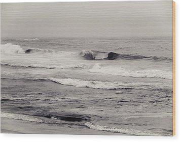 Beach On A Rainy Day Wood Print by Ezequiel Rodriguez Baudo