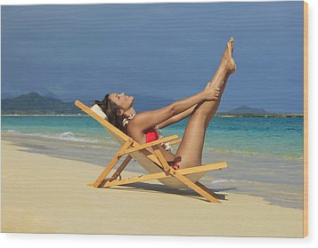 Beach Stretches Wood Print by Tomas del Amo