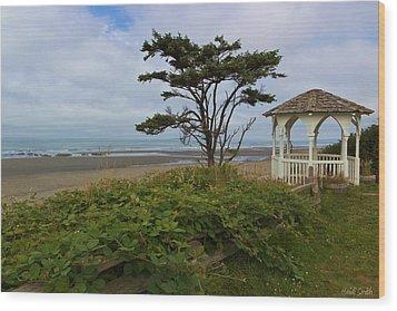 Beachside Gazebo Wood Print by Heidi Smith