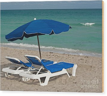 Beachtime Wood Print by Barbara McMahon