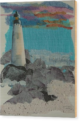 Beacon On The Rocks Wood Print