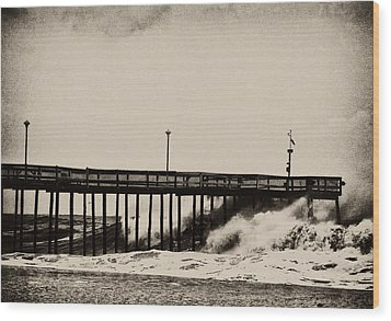 Wood Print featuring the photograph Beatin' Pier by Kelly Reber