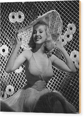 Betty Grable, 1938 Wood Print by Everett