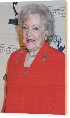 Betty White At Arrivals For The Academy Wood Print by Everett
