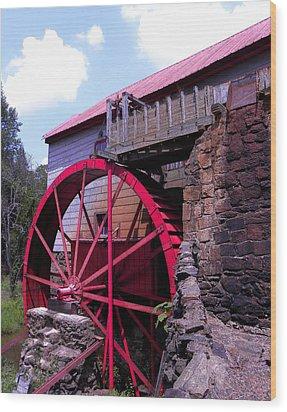 Big Red Wheel Wood Print by Sandi OReilly