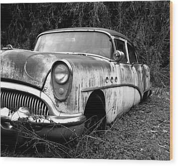 Black And White Buick Wood Print by Steve McKinzie