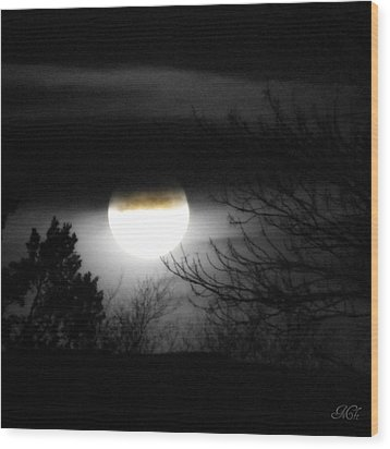 Wood Print featuring the photograph Black And White Full Moon by Michelle Frizzell-Thompson