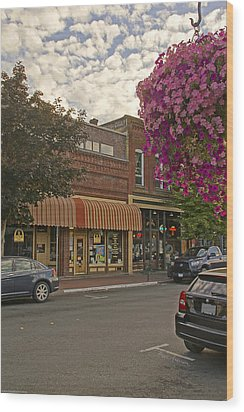 Blind Georges And Laughing Clam On G Street In Grants Pass Wood Print by Mick Anderson